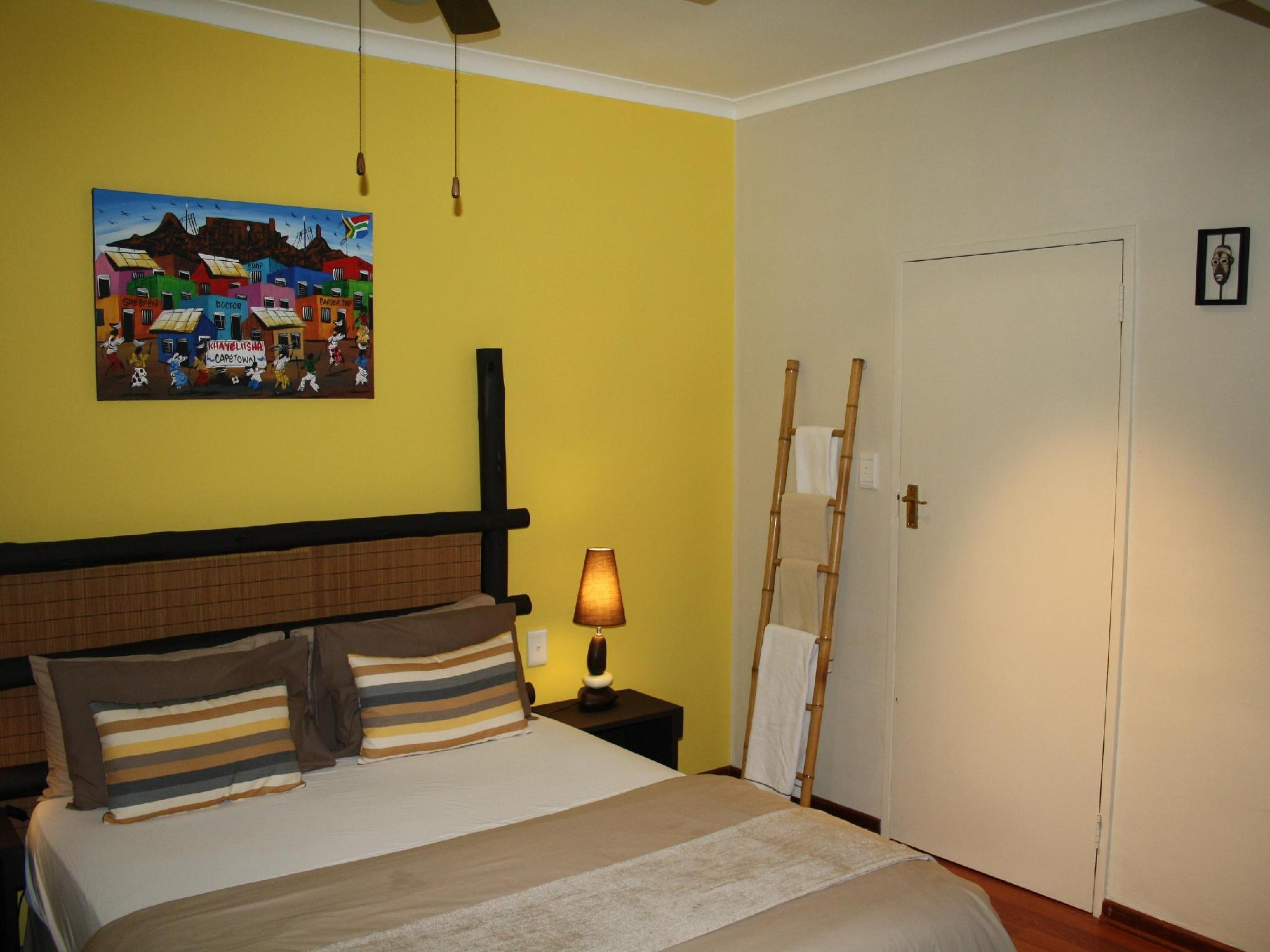 Inkwesi - Double Room on Poolside