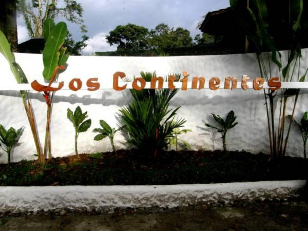 More about Los Continentes