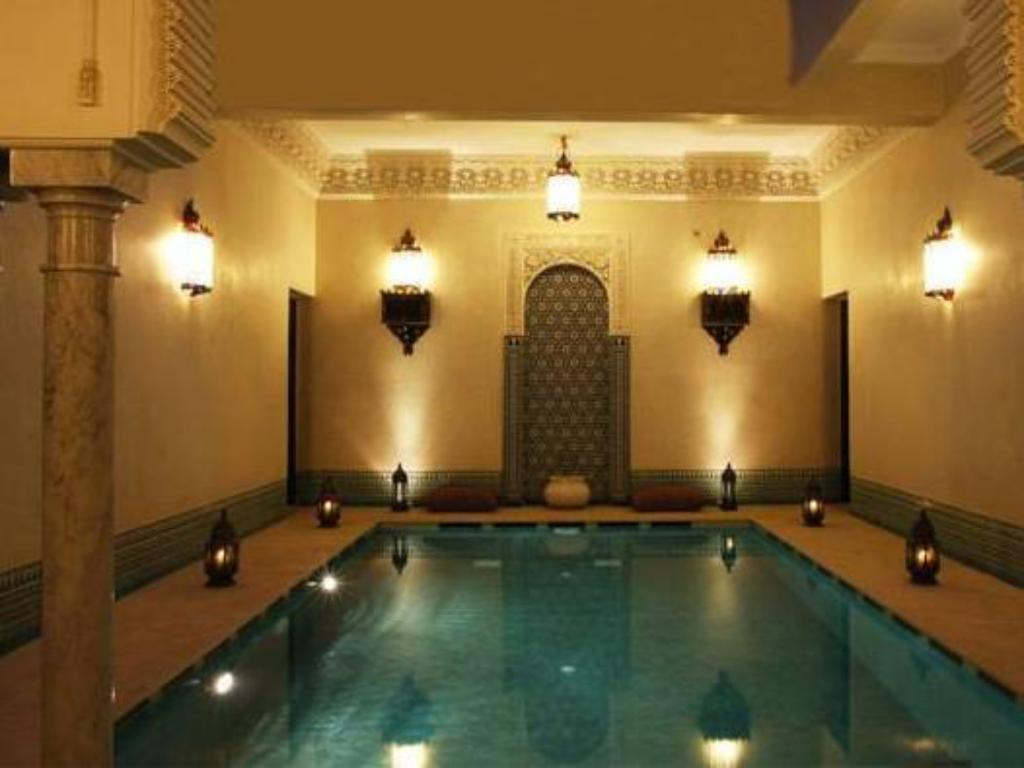 Swimming pool Riad Kniza