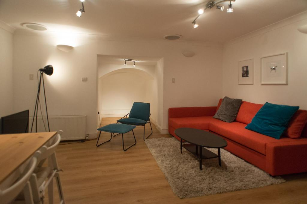 King Two Bedroom Apartment 愉悦伊斯灵顿双卧室公寓 (Delightful Islington Two Bedroom Apartament)
