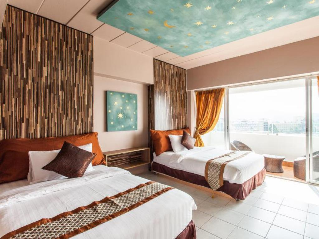 Superior Patong Heritage Hotel