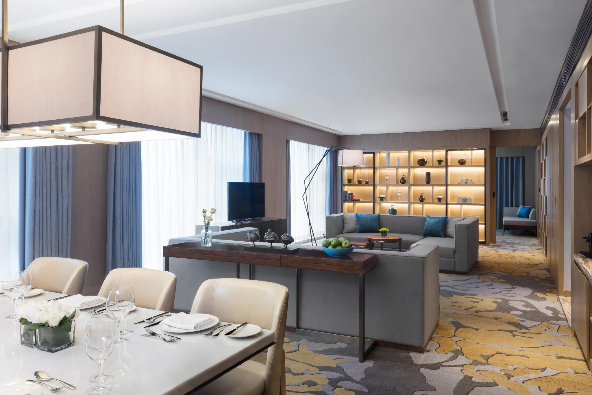 Executive lounge access, 1 Bedroom Presidential Suite