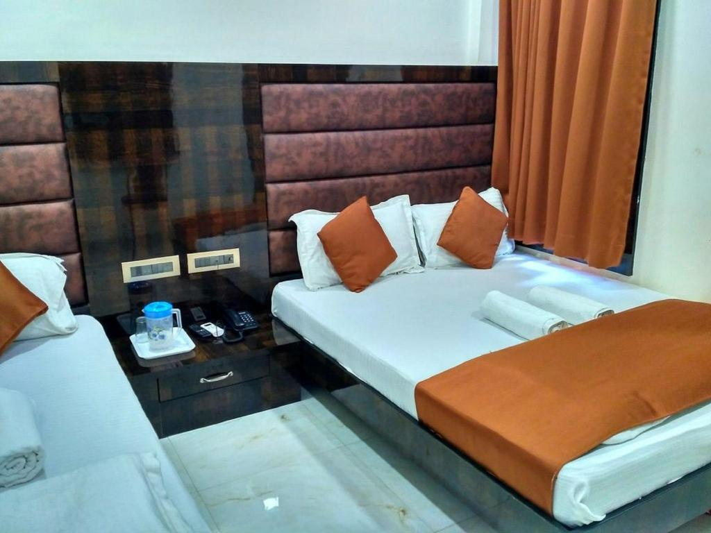 Executive Triple Room - Guestroom Omega Rooms