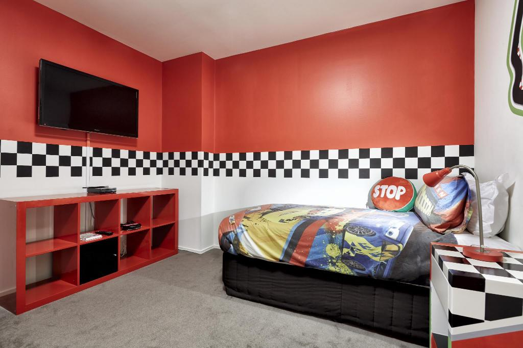 wonderful car themed bedroom | Pegasus Apartment Hotel Serviced apartment (Melbourne ...