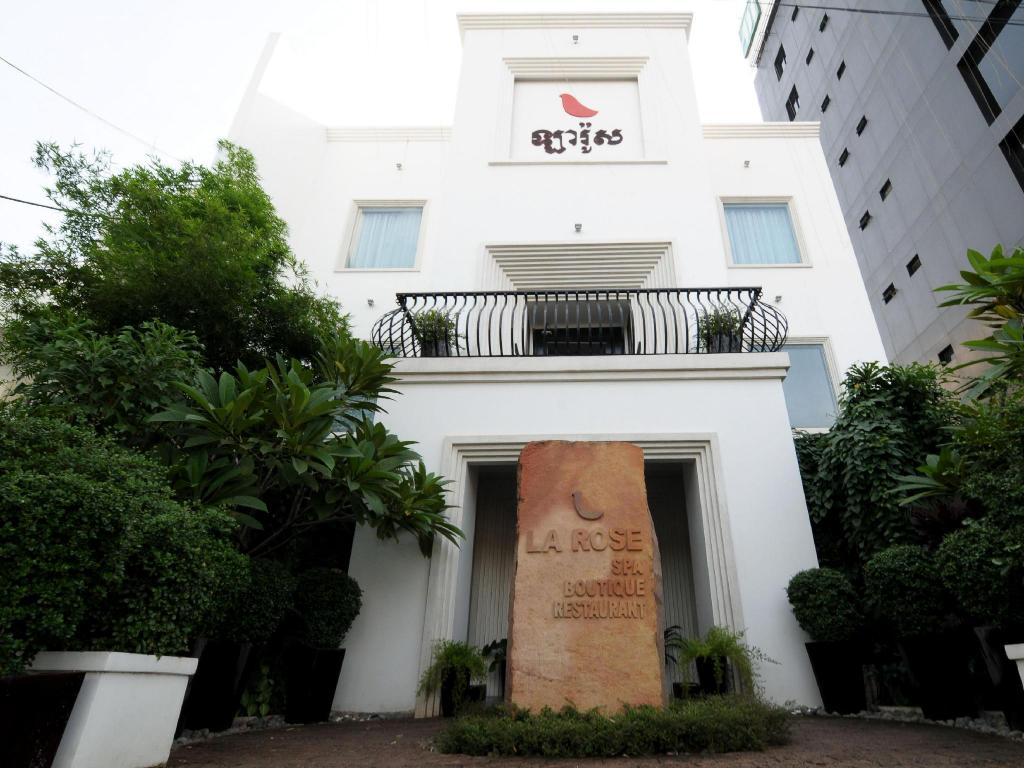 Best price on la rose boutique hotel spa in phnom penh for Best boutique hotels phnom penh