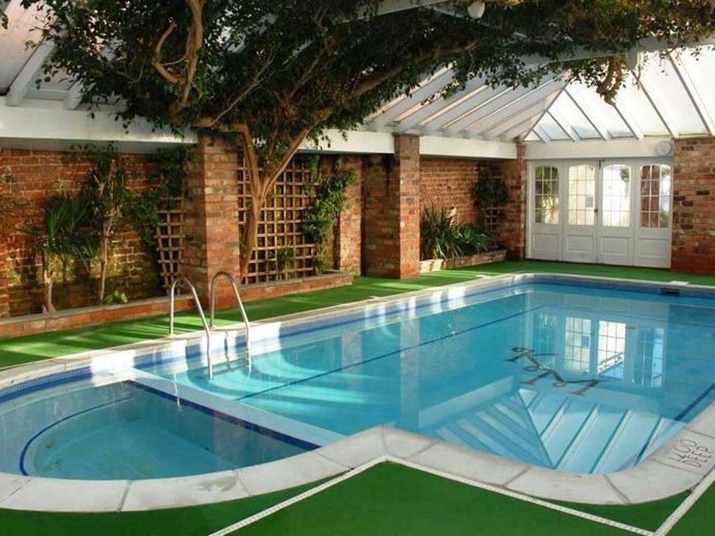 Book Knavesmire Manor Hotel And Leisure In York United Kingdom