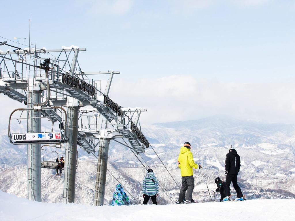 yongpyong resort dragon valley hotel in pyeongchang-gun - room deals