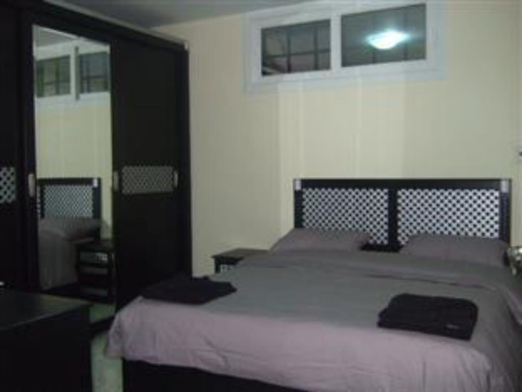 2 Bedroom Apartment - Suite room