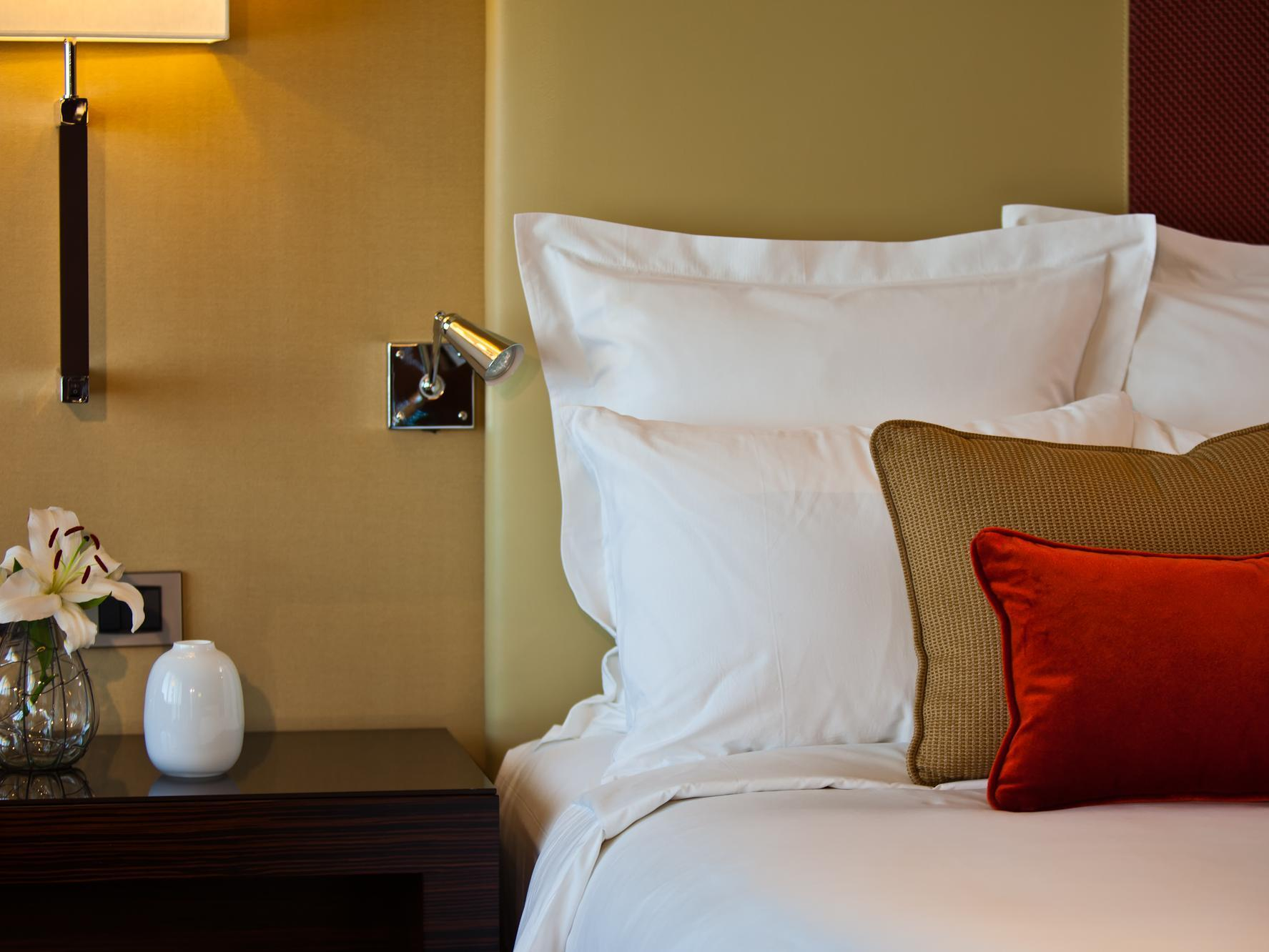 Guest room, 1 King or 2 Double or 2 Twin/Single Bed(s)