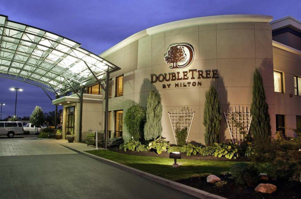 More about Doubletree by Hilton Buffalo-Amherst