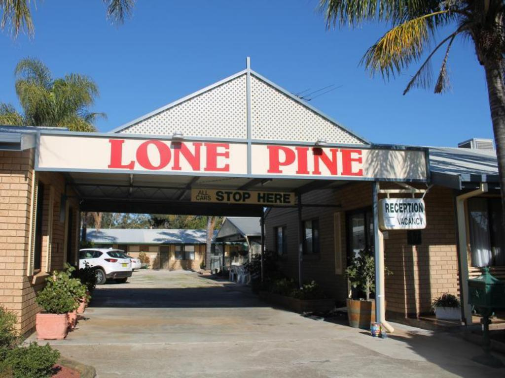 More about Lone Pine Motel