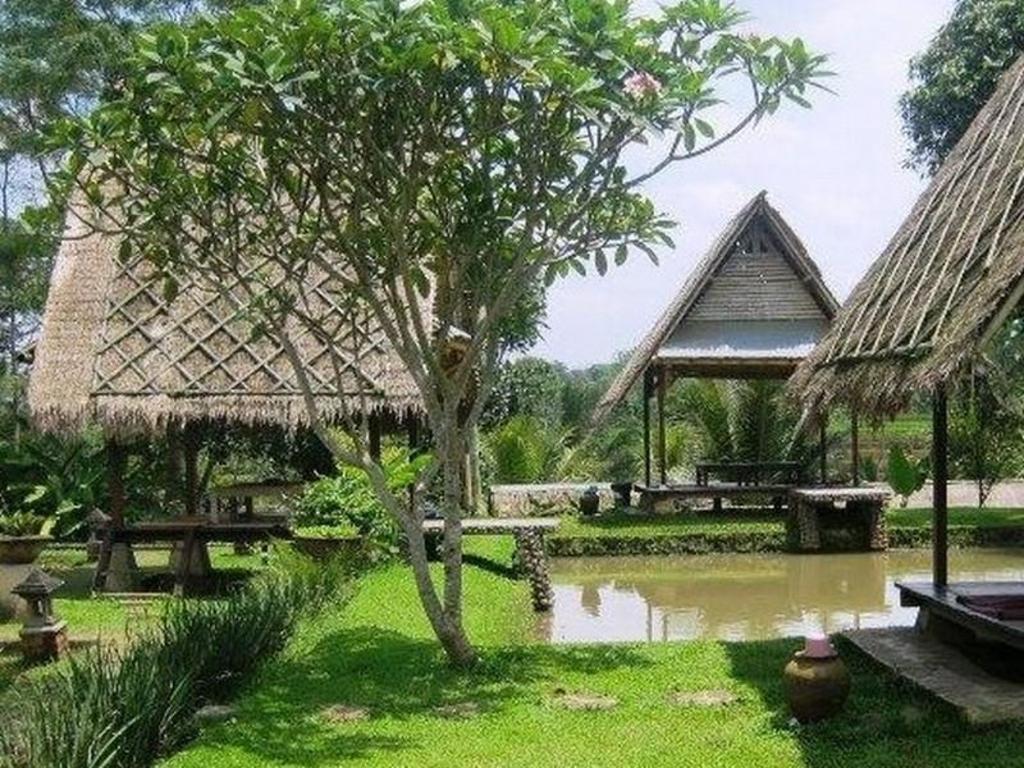 Desa Sawah Restoran Villa Caringin Bogor Room Deals