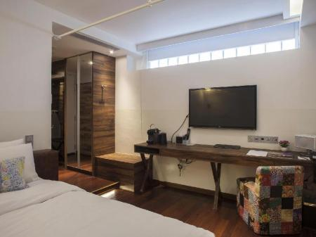 Deluxe Room The Daulat Hotel