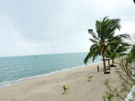 Beach Jai Dee Resort