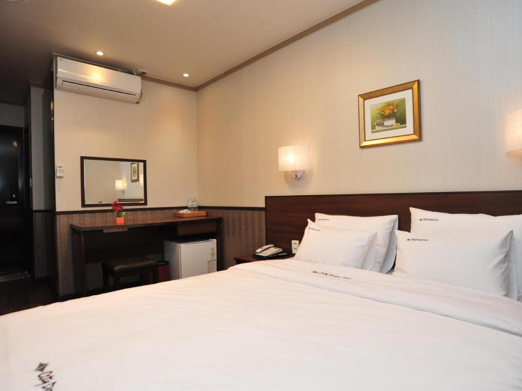 Double Room Global Inn Seoul Dongdaemun City Days Inn