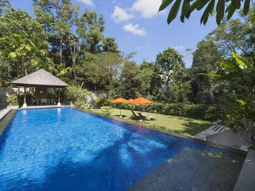 Swimmingpool Villa Shinta Dewi Ubud - an elite haven