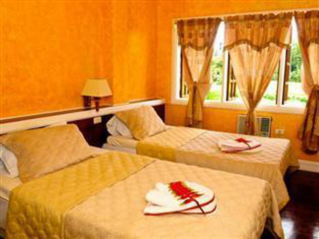 Guestroom Stefanie Grace Paradise Inn and Resto Bar