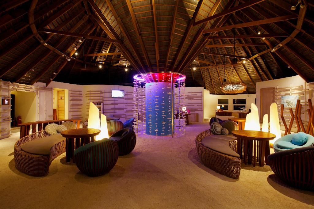 Lobby Centara Ras Fushi Resort & Spa Maldives