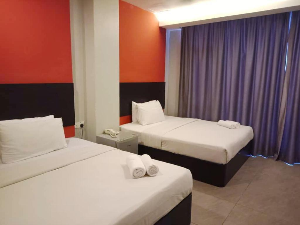 Standard Twin Room - Bed Golden Court Hotel @ Tun Abdul Razak