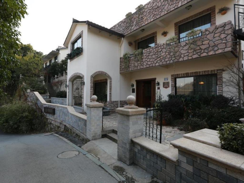 Best Price On Seclusion Scenery Of West Lake