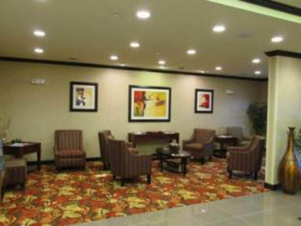 Empfangshalle Holiday Inn Express and Suites Wheeling