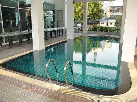 Swimming pool Dheva Residences Suites
