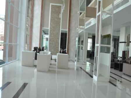 Lobby Dheva Residences Suites