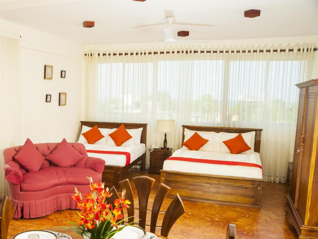 Deluxe Single Room Non-Smoking Prestige Court Residence Hotel