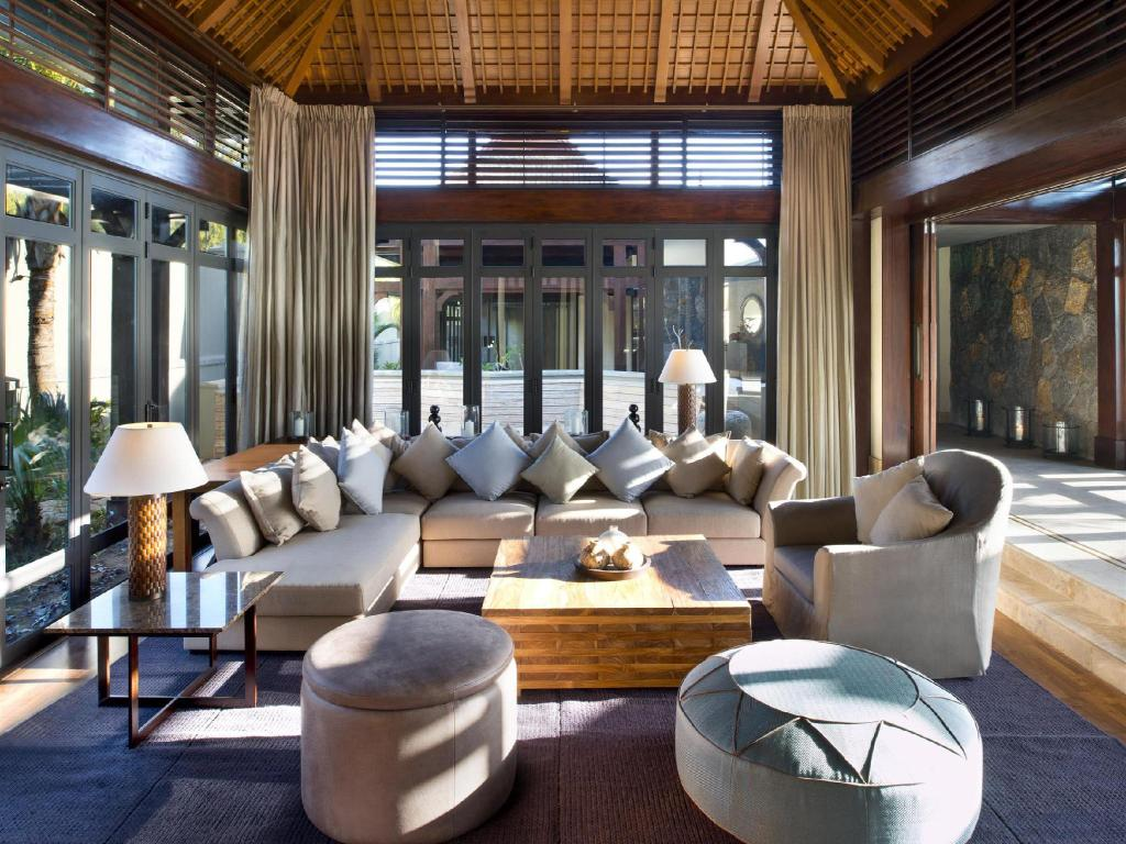 Interior view The St. Regis Mauritius Resort