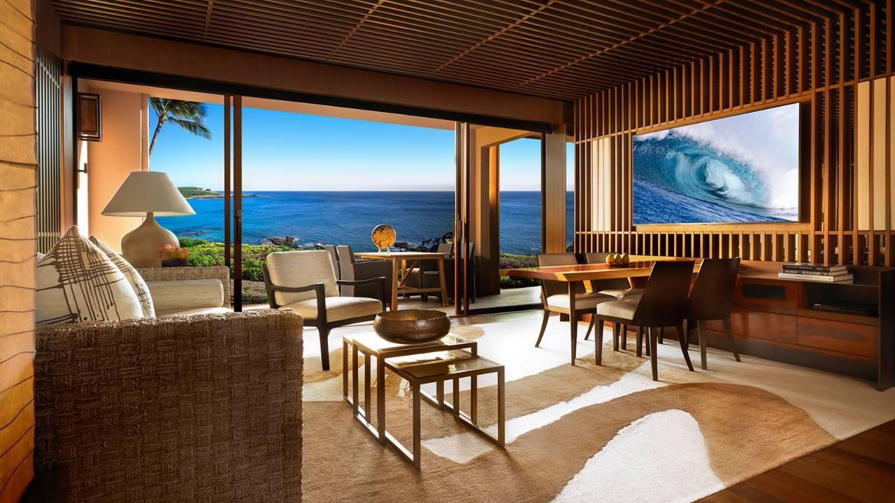 Four Seasons Ocean View Suite with King Bed