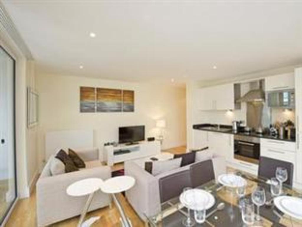 Go Native Canary Wharf Apartment, London - Room Rates ...