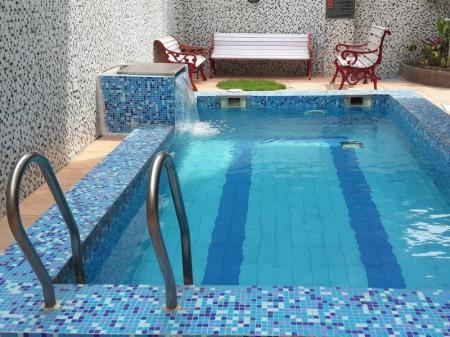 Swimming pool Tatvam Residency