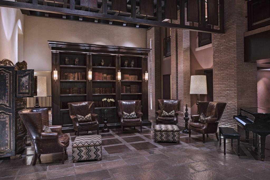 Lobby JW Marriott El Convento Cusco