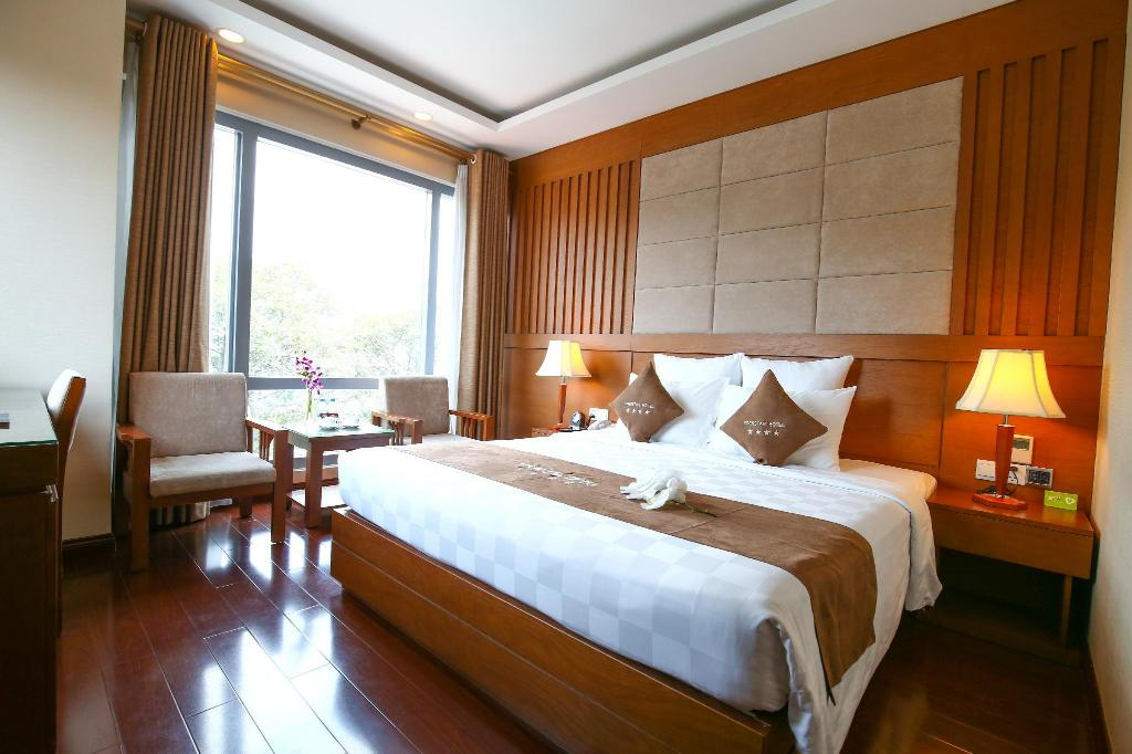 Deluxe Double with Window - View EdenStar Saigon Hotel & Spa