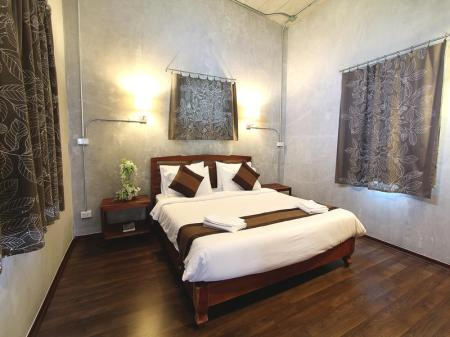 Deluxe King Bed Udon Green Ville Villa