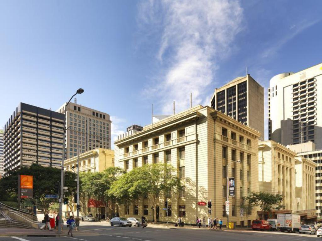 Book Adina Apartment Hotel Brisbane Anzac Square ...