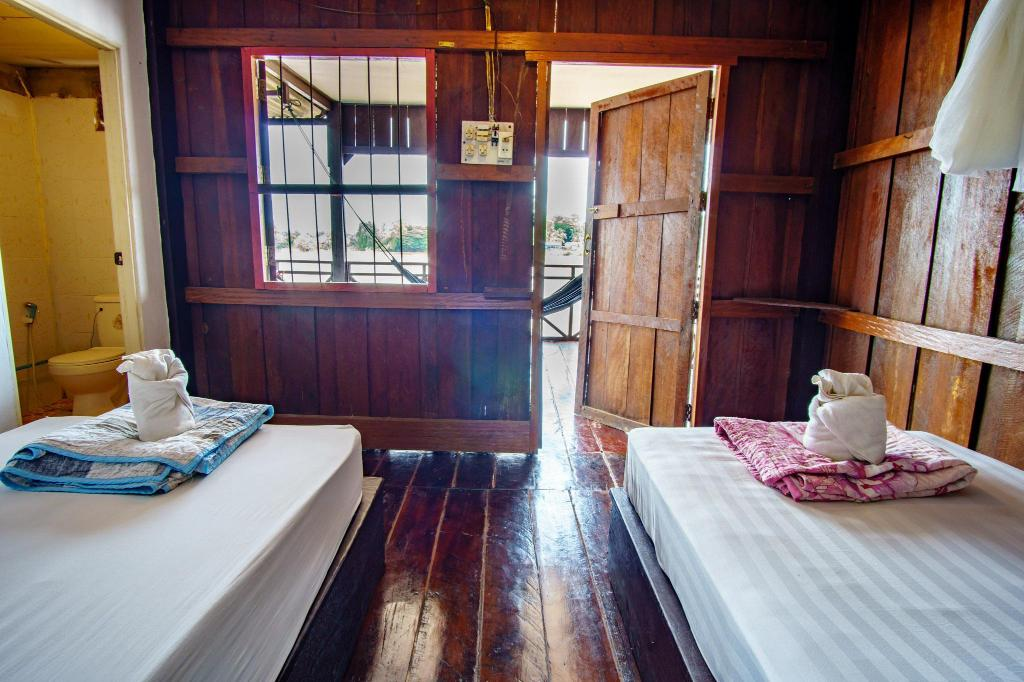 Standard Twin Room River View Mr Tho's Bungalow