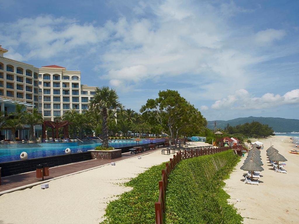 Holiday Inn Resort Daytona Beach Oceanfront Hotel and ...   Sanya Holiday Inn Resort Logo