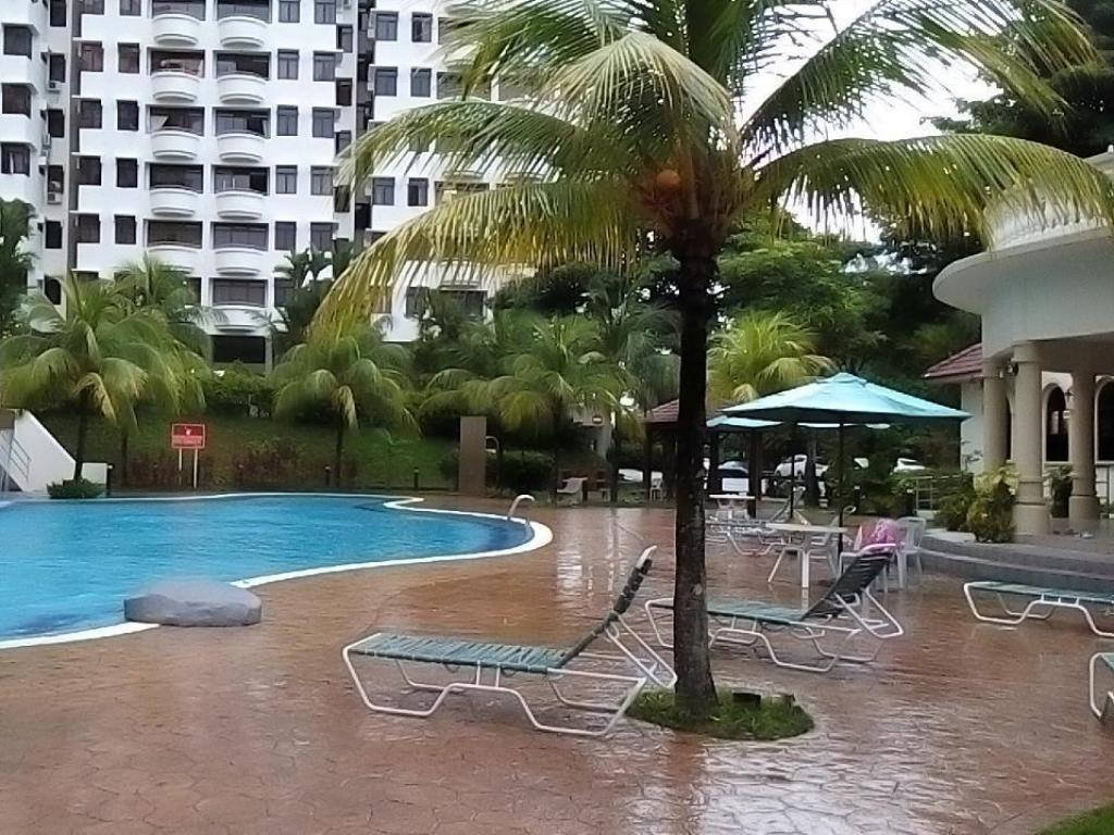 Swimming pool D&S Eden Seaview Condo at Batu Ferringhi