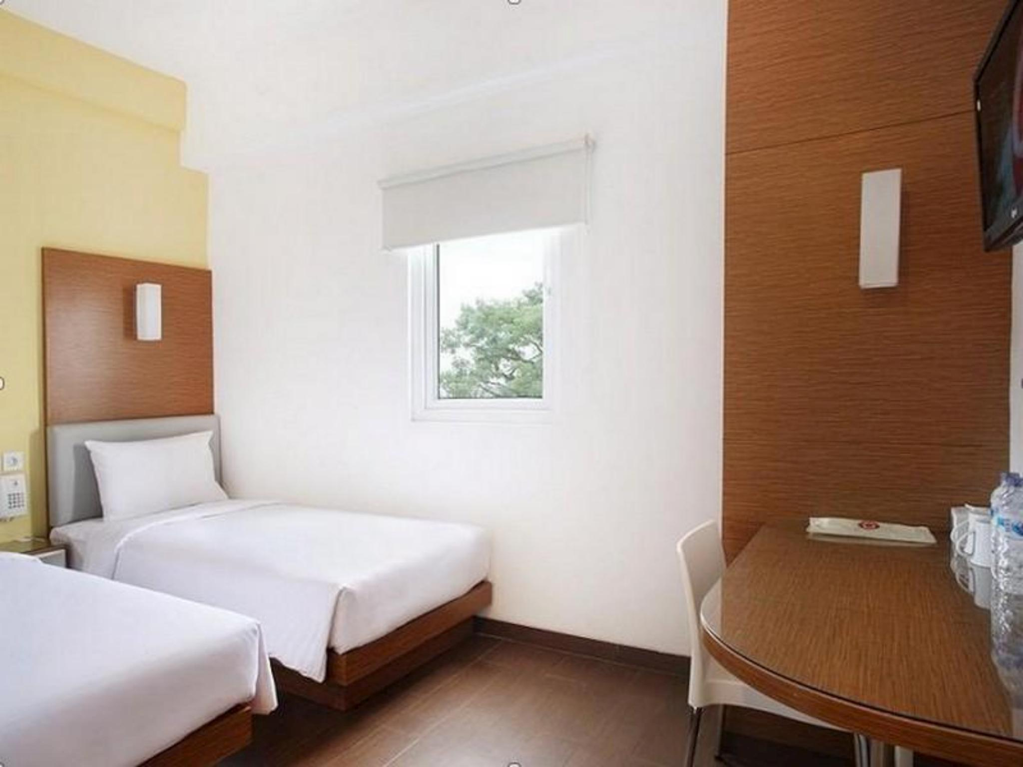 Amaris Hotel Malang In Indonesia Room Deals Photos Reviews Voucher The 1o1 Oj Smart Twin Bed