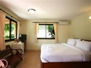 스탠다드룸 (가든뷰) (Standard Room with Garden View)