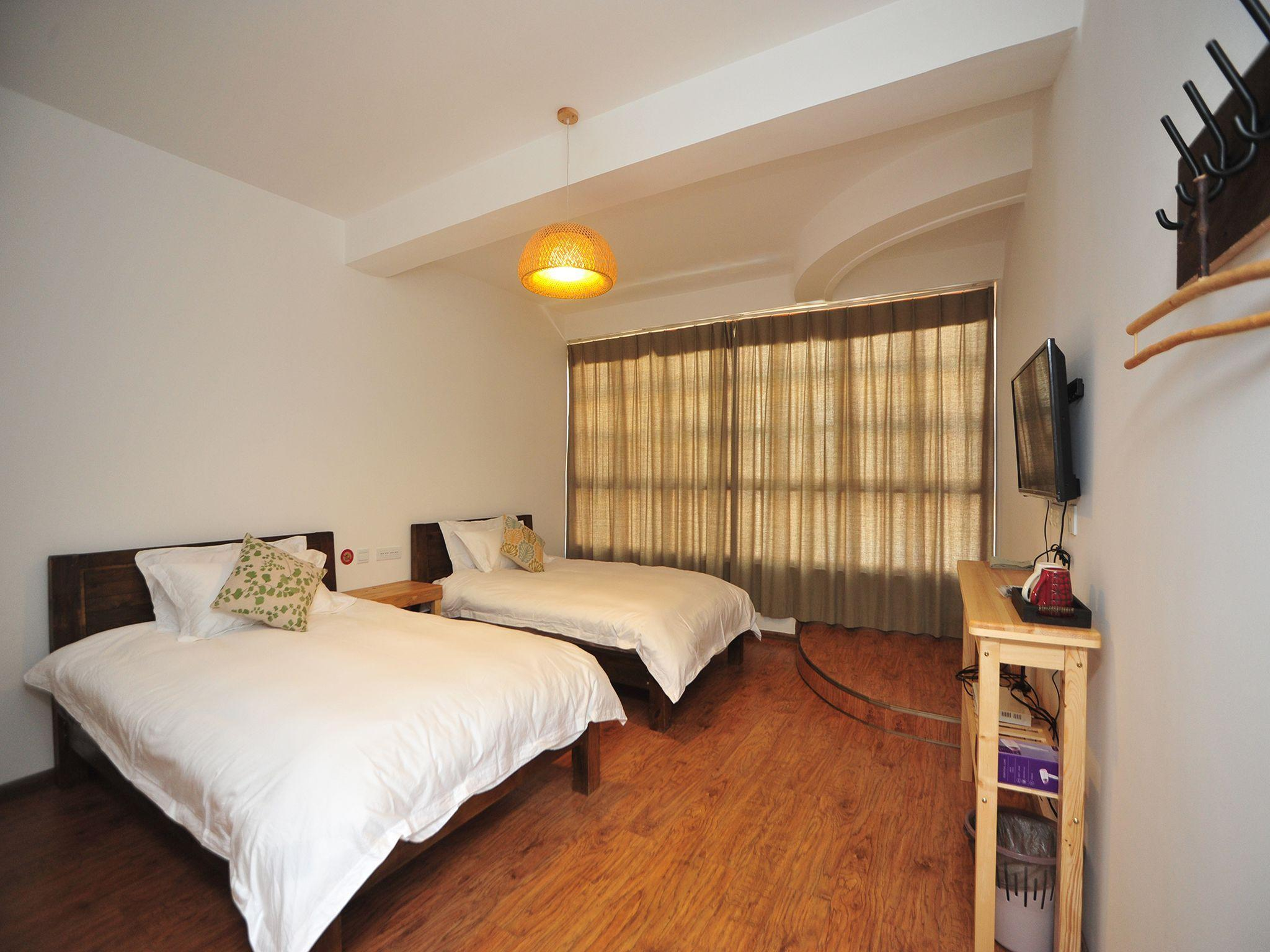 Kunming The Hump Youth Hostel Hotel - Deals, Photos & Reviews