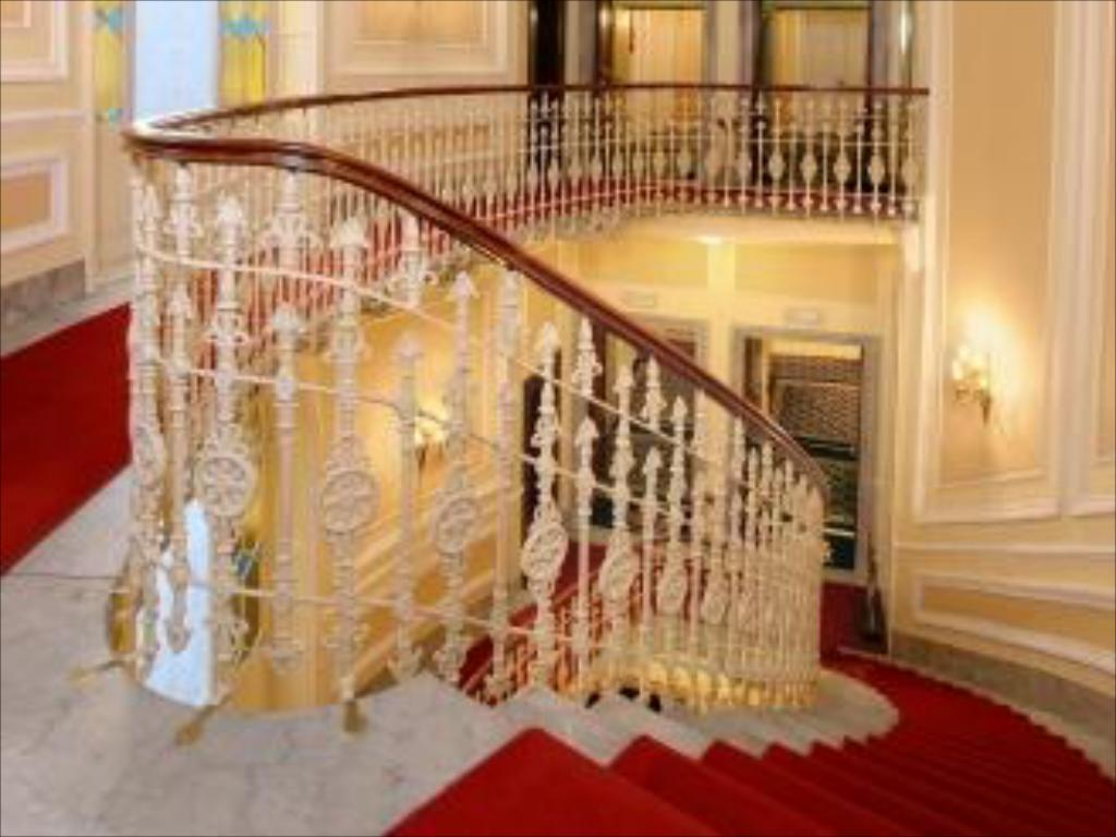 Interior View Hotel Bristol Palace