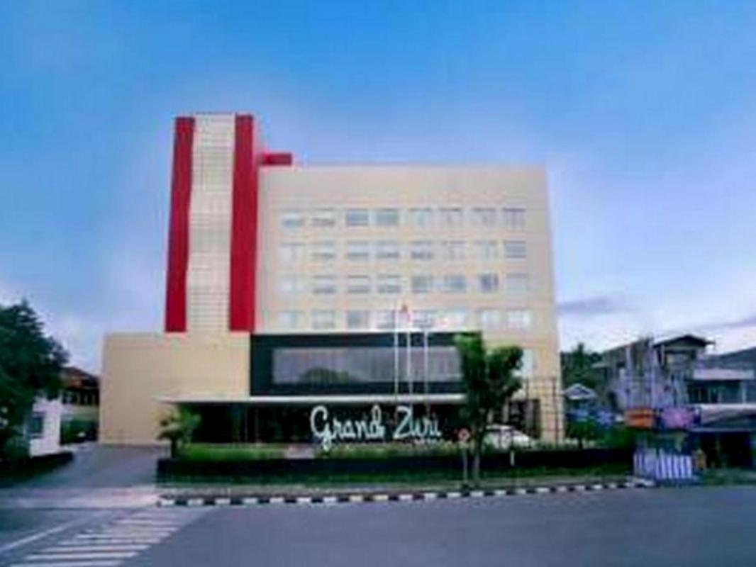 Grand Zuri Padang Hotel In Indonesia Room Deals Photos Reviews