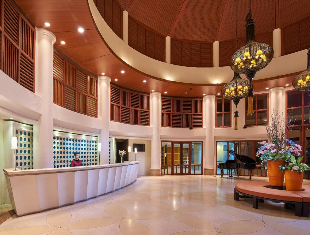 Lobby The Tide Resort (SHA Certified)