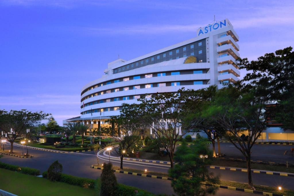 Aston Cirebon Hotel & Convention Center | Daftar Hotel Terbaik di Cirebon