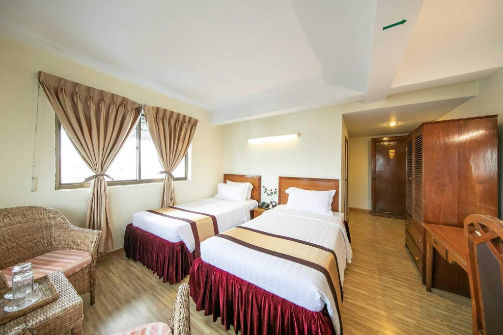 Superior Room - View City Hotel Yangon