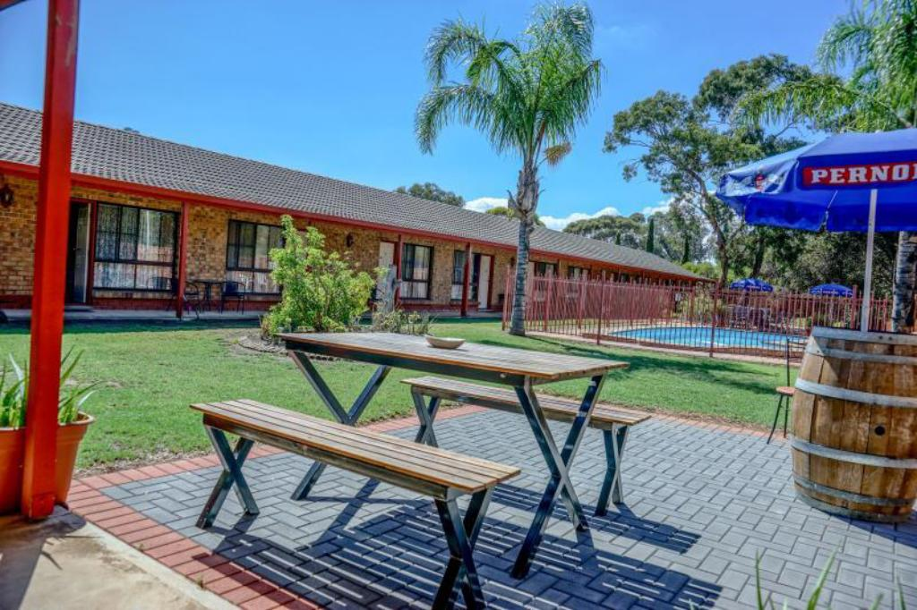 More about Kadina Gateway Motor Inn