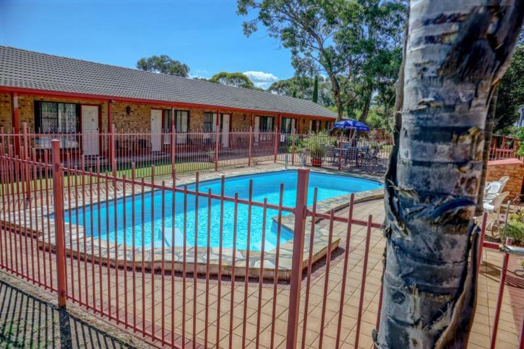 Swimming pool [outdoor] Kadina Gateway Motor Inn