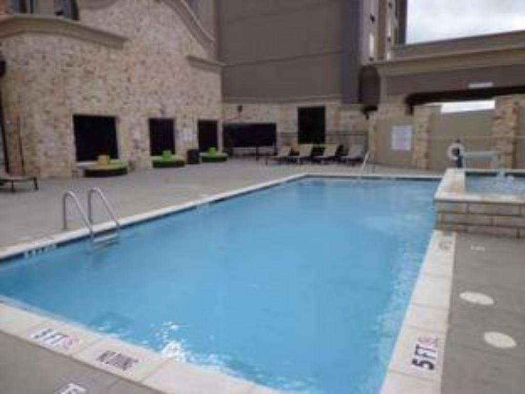 Piscina Holiday Inn Express Frisco
